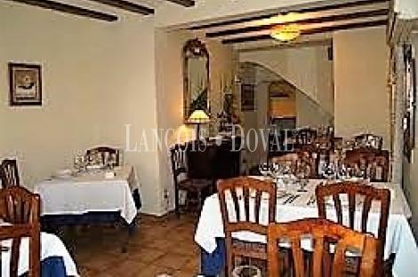 Sagunto. Casa en venta en la judería con proyecto hotel y restaurante.