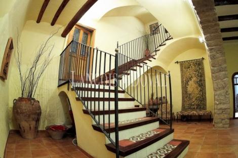 Castellón, Baix Maestrat. Restaurante casa señorial y complejo turístico en venta.