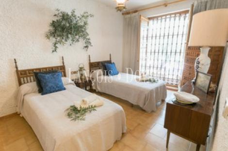 Jaén. Finca olivar en venta. Ideal eventos y hotel rural con encanto.