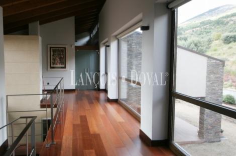 San Lorenzo de El Escorial. Singular y exclusivo chalet en venta.