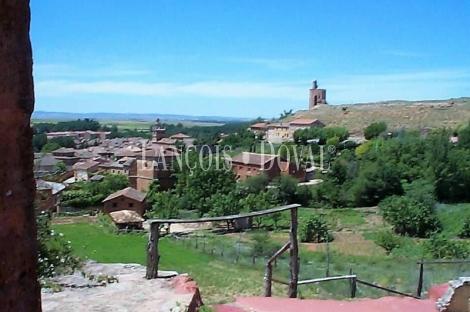 Ayllón. Lagar de piedra en venta del Siglo XVII. Segovia propiedad singulares.
