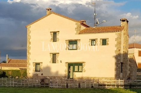 Sierra de Ávila. Casa rural en venta. San Esteban de Los Patos.