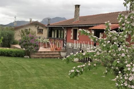 Burgos. Casa rural en venta. Junta de Traslaloma. Comarca de las Merindades.