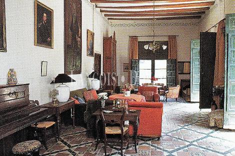 Edificio dotacional en venta o alquiler. Ontinyent. Valencia. Ideal residencia geriátrica.