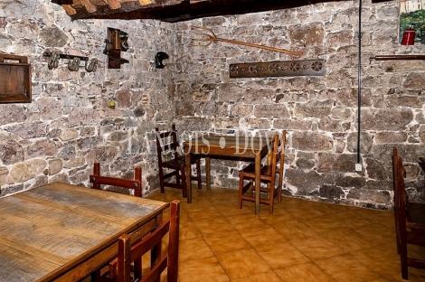 Asturias. Restaurante en venta con vivienda. Proaza. Senda del Oso.