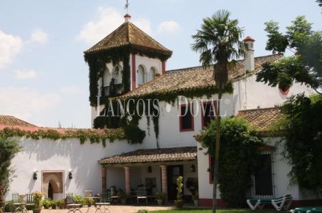 Sevilla. Emblemática hacienda en alquiler para eventos, bodas y celebraciones.