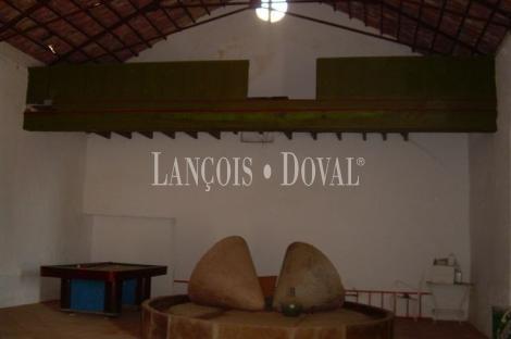 Las Navas. Córdoba Cortijo y molino en Venta.