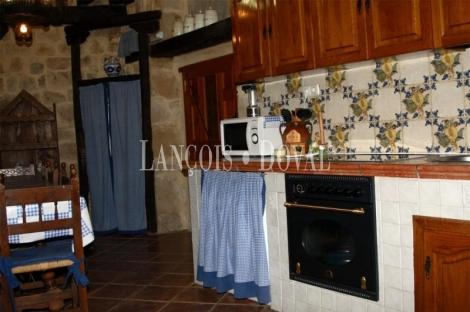 Casa señorial en venta. Palencia.  Zona Aguilar de Campoo.