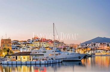 Puerto Banus. Precioso apartamento en venta. Marbella. Costa del Sol