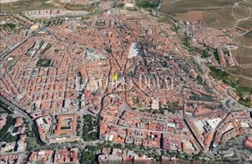 Cáceres. Edificio comercial hotelero en venta o alquiler.