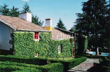 Concello de Oza dos Ríos. A Coruña. Pazo en venta.