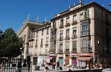 Granada. Edificios en venta junto Real Chancillería.