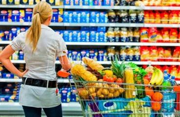 Barcelona. Suelo terciario comercial en venta con proyecto supermercado.