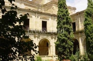 Monasterios. Conventos. Abadías. Palacios. Castillos. Pueblos abandonados en venta