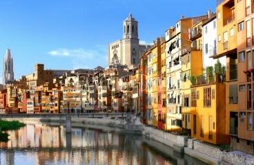 Girona. Venta edificio apartamentos turisticos en rentabilidad.