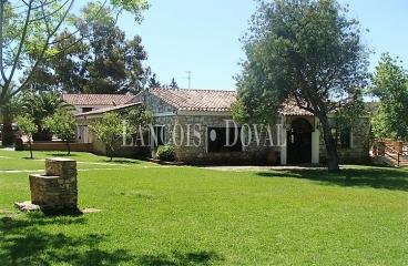 Picos de Aroche. Casas rurales en venta. Complejo turístico. Sierra de Aracena. Huelva.