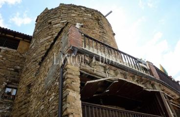 Torreón medieval en venta. Talarn. Lleida. Edificio histórico Ideal alojamiento rural.