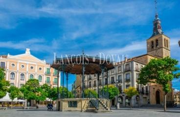 Segovia. Pisos en venta en el casco antiguo.