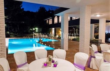 Cabrera de Mar. Finca y restaurante eventos en venta. Posible uso dotacional.