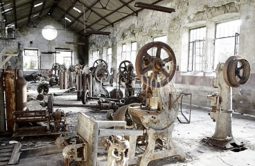 Barcelona. Antigua fabrica textil en venta. Uso equipamientos sanitarios.