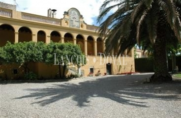 Borrassà ( Figueras ) Hotel con encanto en venta.