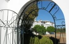 Jaén. Cortijo andaluz y finca en venta.