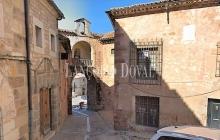 Sigüenza. Casa palacio en venta. Guadalajara y sus edificios históricos.