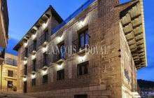 Ávila. Edificio histórico en venta actualmente hotel con encanto.